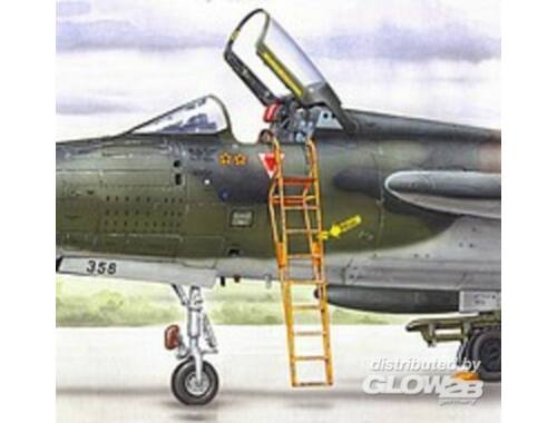 Plus Model Ladder F-105 1:48 (AL4039)