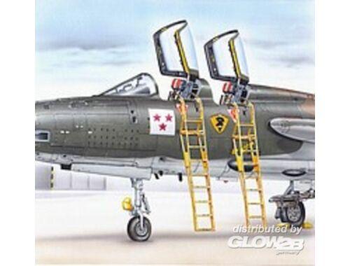 Plus Model Ladder F-105 F/G 1:48 (AL4040)