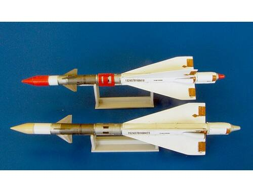 Plus Model Missile R-40R 1:48 (AL4043)