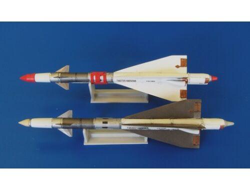 Plus Model Missile R-40RD 1:48 (AL4045)