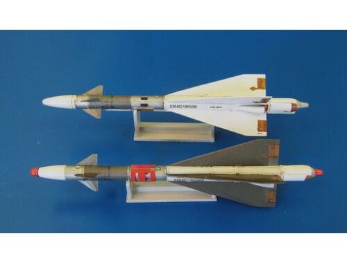 Plus Model Missile R-40TD 1:48 (AL4046)