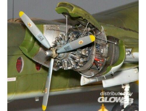 Plus Model Caribou engine set 1:72 (AL7003)