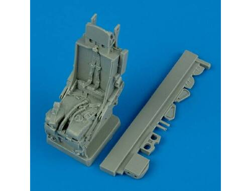 Quickboost F-105 Thunderchief ejection seat with safety belts 1:32 (32067)