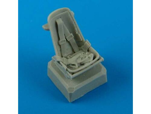 Quickboost Bf 109E seat with safety belts 1:72 (72401)