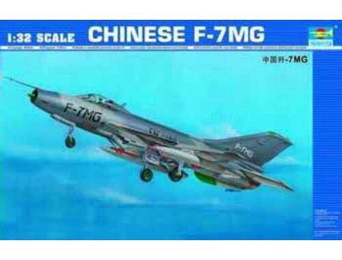 Trumpeter Chengdu F-7 MG 1:32 (02220)