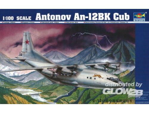 Trumpeter Antonov An-12 BK Cub 1:100 (04001)