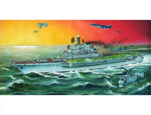 Trumpeter Aircraft Carrier USSR Minsk 1:700 (5703)