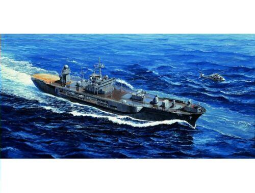 Trumpeter USS Blue Ridge LCC-19 2004 1:700 (05717)