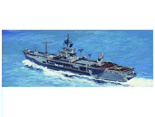 Trumpeter USS Mount Whitney LCC-20 1997 1:700 (05719)