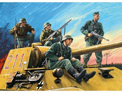 ICM German Tankriders (1942-1945) (4Figures) 1:35 (35634)