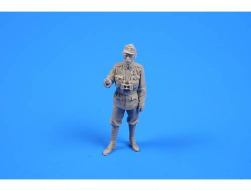CMK Austro-Hungarian WW I Officer 1:35 (F35285)