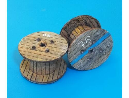 Plus Model Cable reels- small 1:48 (4049)