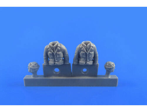 CMK WWII US Tank Driver and Gunner(two semi figures) for Sherman 1:48 (F48312)