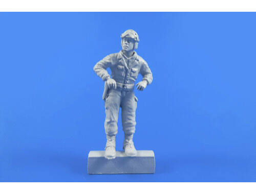 CMK WWII US Tank Commander for Sherman 1:48 (F48313)