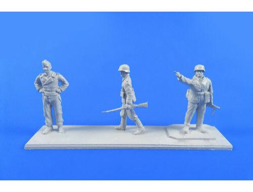 CMK German WWII Wermacht Soldiers 1944 1:72 (F72307)