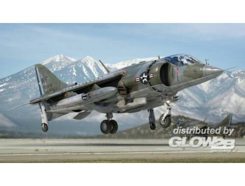 Airfix Harrier AV-8A 1:72 (A04057)