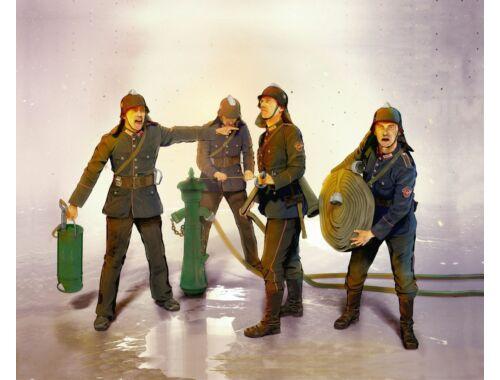 ICM WWII German Firemen (4 figures) 1:35 (35632)