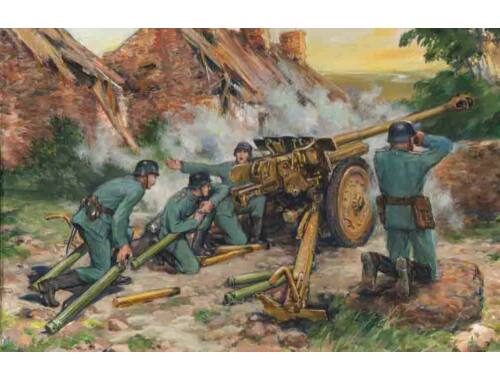 ICM 7.62cm Pak 36 (r) with German Crew 1:35 (35801)