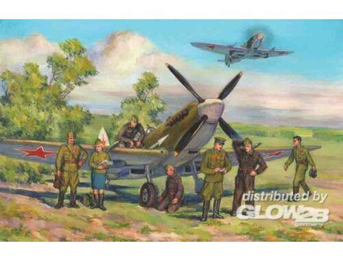 ICM Spitfire Mk LF IXE with RAF Pilots / Ground Crew 1:48 (48802)