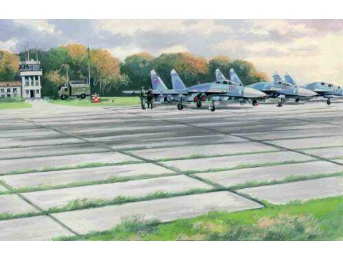 ICM Soviet PAG-14 Airfield plates (32pcs) (362x216mm) 1:72 (72214)