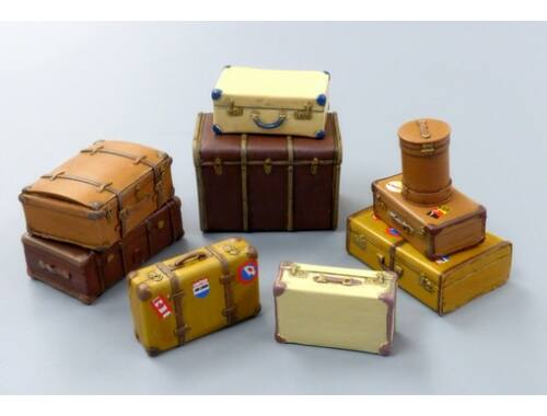 Plus Model Old suitcases 1:35 (489)