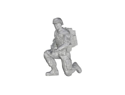 CMK 1/35 Kneeling Soldier (on left knee), US Army Infantry Squad 2nd Division for M1126 Stryker (par