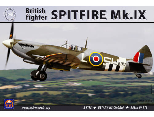"ARK Model Supermarine""Spitfire""MK.IX British Fight (the kit includes) 1:48 (48008)"