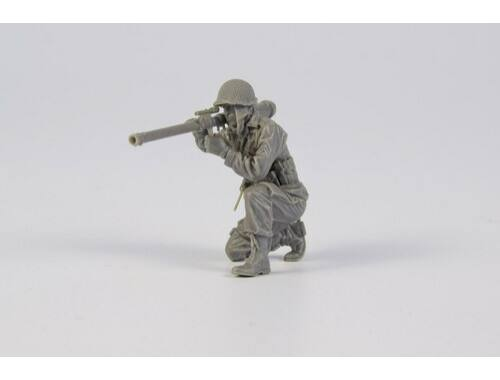 CMK 1/35 American soldier with M18 57mm Recoilless Rifle (Bazooka), late WWII / Korean war 1:35 (F35