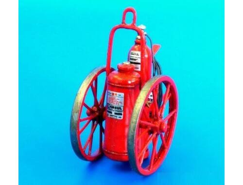 Plus Model Extinguisher wheeled 150LB 1:48 (AL4074)