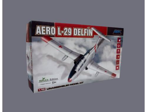 """AMK Aero L-29 Delfín 1:48 """"REPLICA Edition"""" (88002R)"""