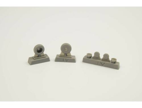 CMK P-40 Wheels – Diamond and Hole Tread for Special Hobby 1:72 (Q72298)