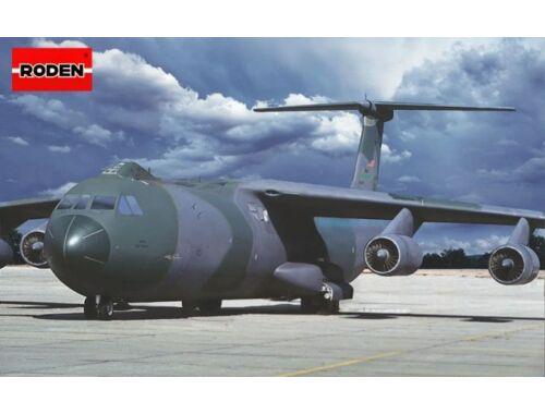 Roden Lockheed C-141B Starlifter 1:144 (331)