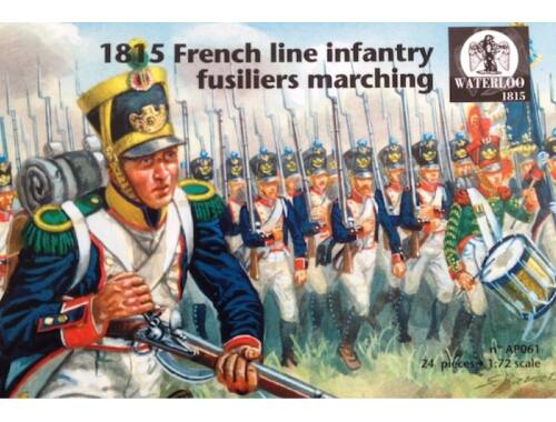 Waterloo 1815 French line infantry fusiliers marching 1:72 (AP061)
