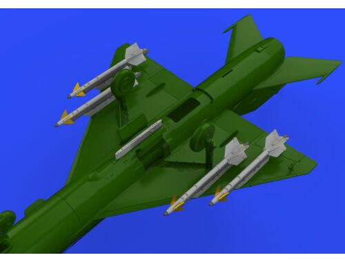 Eduard R-13M missiles w/ pylons for MiG-21 1:72 (672188)