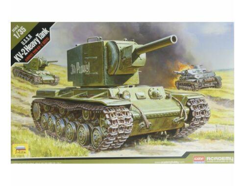 Academy KV-2 Heavy Tank 1:35 (13506)