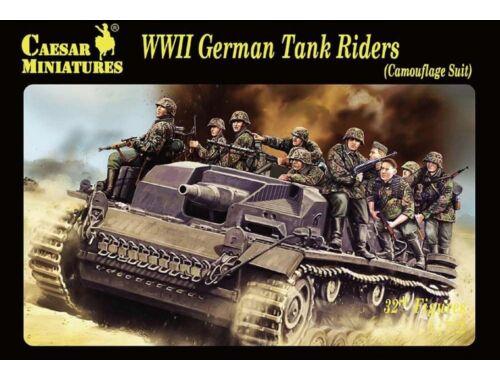 Caesar WWII German Tank Rider(Camouflage Suit) 1:72 (H099)
