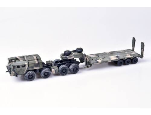 Modelcollect Soviet/Russian Army MAZ-7410 w.ChMZAP-9990 1:72 (AS72146)