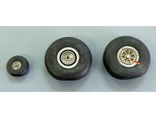Plus model Wheels for C-46 Commando 1:72 (AL7034)