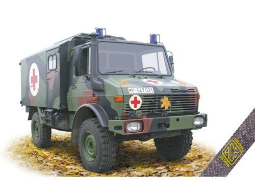 ACE Unimog U1300L 4x4 Krankenwagen Ambulance 1:72 (72451)