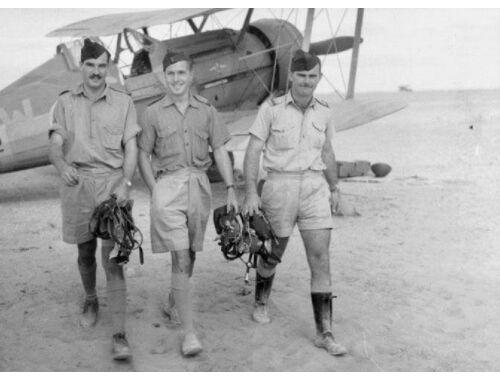 ICM British Pilots in Tropical Uniform (1939-1943 3 figures) 1:32 (32106)