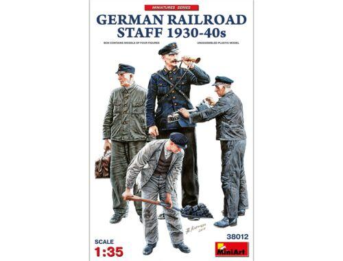 MiniArt German Railroad Staff 1930-40s 1:35 (38012)